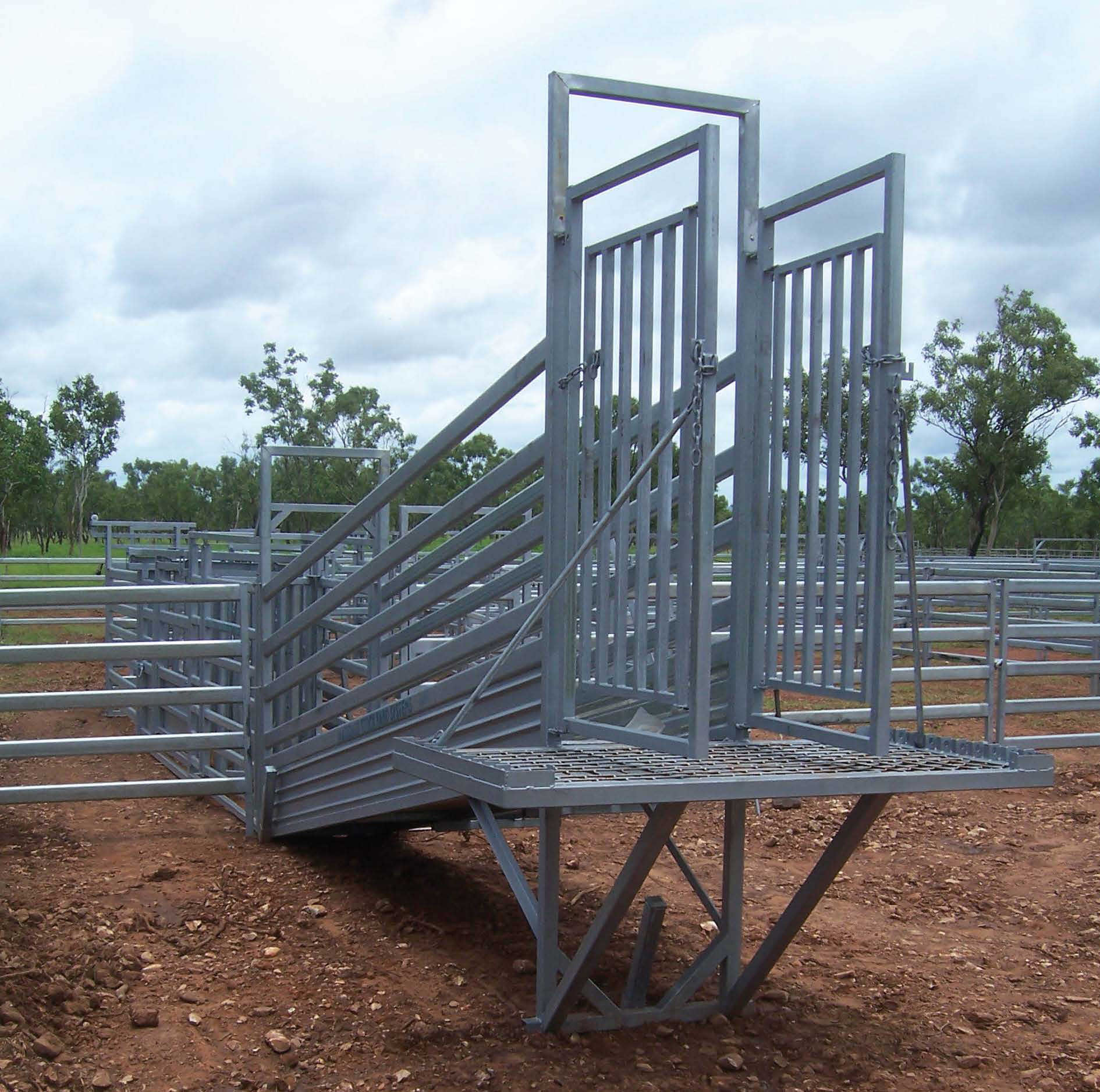 Cattle loading ramps manufactured to requirements