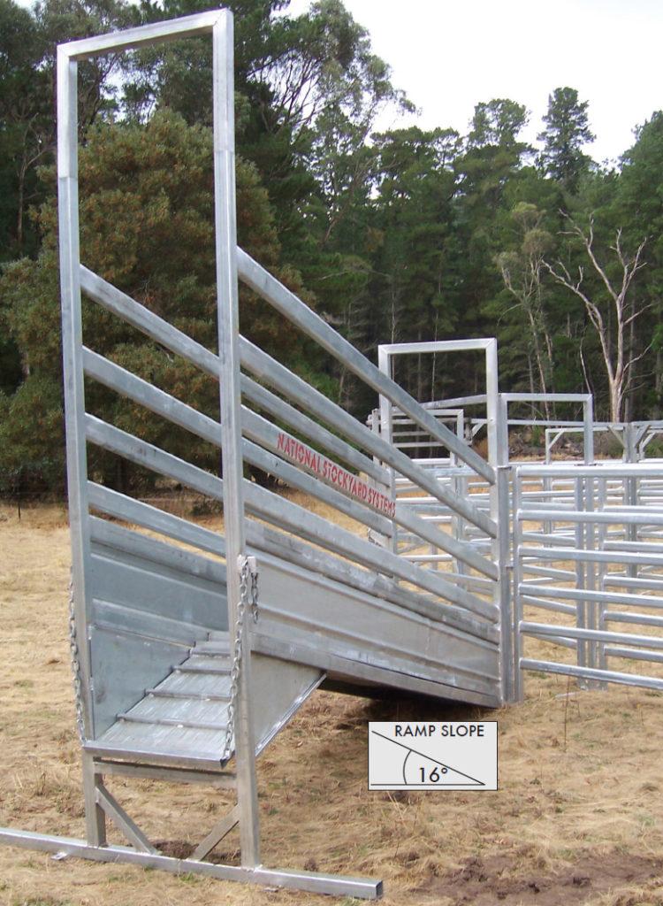 Bullock 3.6m Adjustable Cattle Ramp